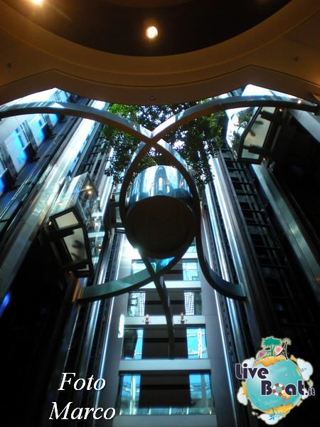 Grand Foyer di  Celebrity Silhouette-18foto-liveboat-celebrity-silhouette-jpg