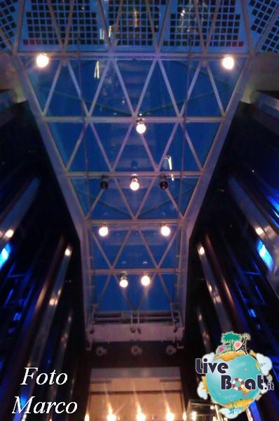 Grand Foyer di  Celebrity Silhouette-24foto-liveboat-celebrity-silhouette-jpg
