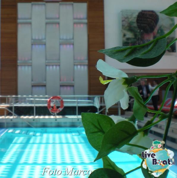 Piscina coperta Celebrity Silhouette-177foto-liveboat-celebrity-silhouette-jpg
