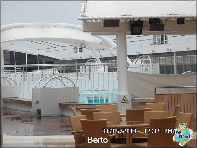 La zona lido/piscina di Msc Armonia-67msc-armonia-liveboat-jpg