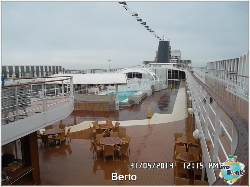 La zona lido/piscina di Msc Armonia-70msc-armonia-liveboat-jpg
