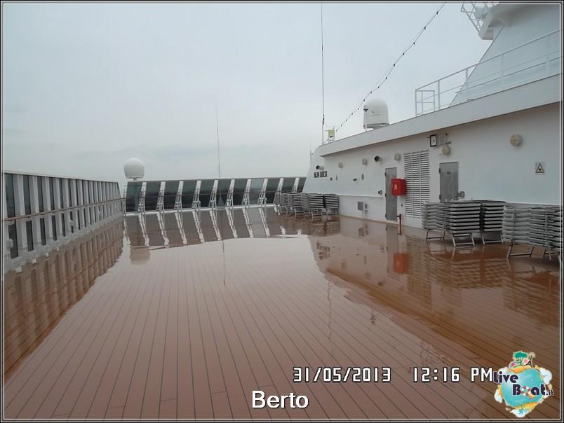 La zona lido/piscina di Msc Armonia-71msc-armonia-liveboat-jpg