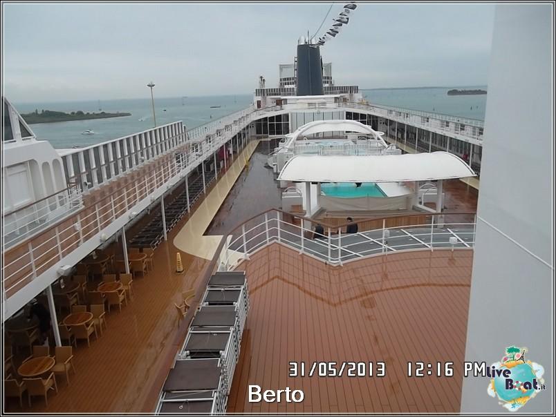 La zona lido/piscina di Msc Armonia-72msc-armonia-liveboat-jpg