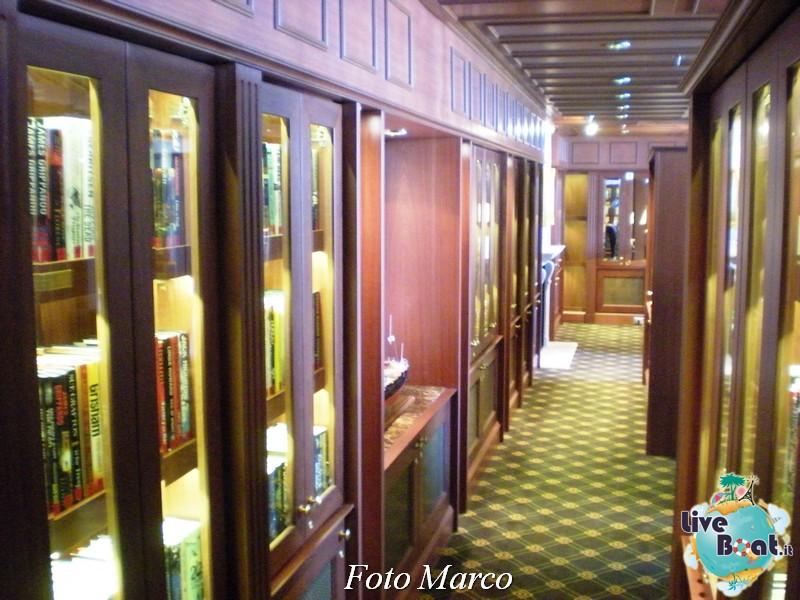 La biblioteca e l'internet point di Riviera-5foto-liveboat-riviera-oceania-jpg