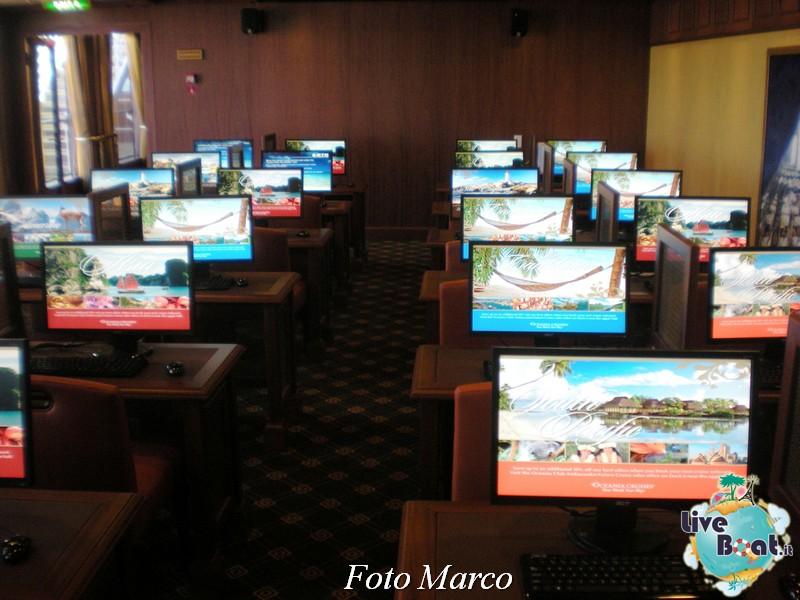 La biblioteca e l'internet point di Riviera-9foto-liveboat-riviera-oceania-jpg