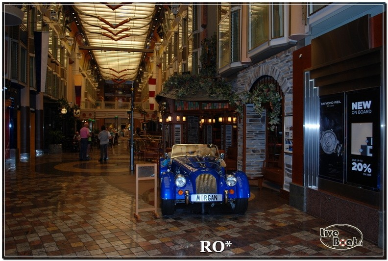 La Royal Promenade di Independence ots-19foto-liveboat-independence-ots-jpg