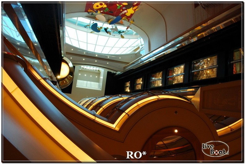 La Royal Promenade di Independence ots-28foto-liveboat-independence-ots-jpg