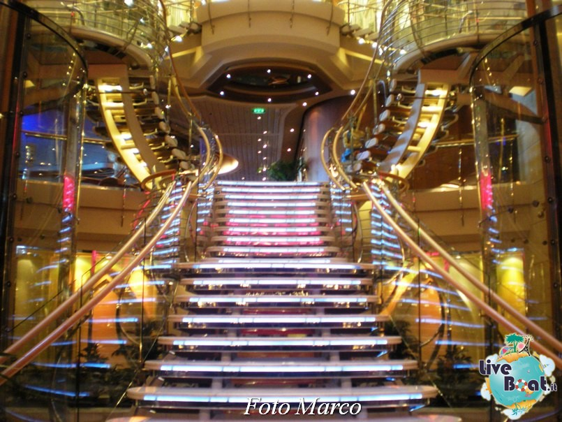 La Royal Promenade di Independence ots-107foto-liveboat-independence-ots-jpg