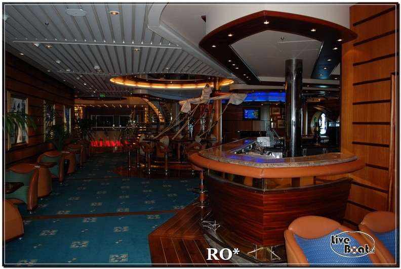 Lo Schooner bar di Independence ots-39foto-liveboat-independence-ots-jpg