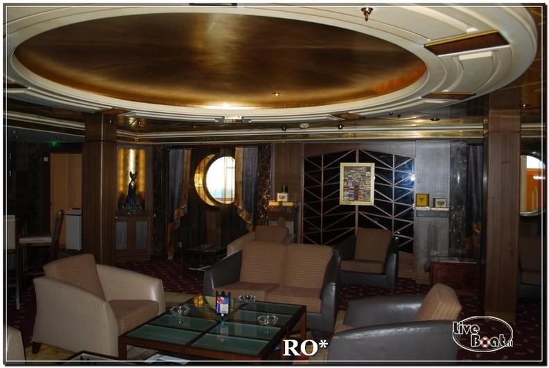 La sala fumatori di Independence ots-50foto-liveboat-independence-ots-jpg