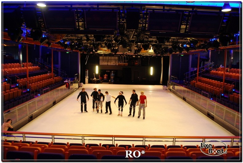 L'Ice Rink di Independence ots-51foto-liveboat-independence-ots-jpg