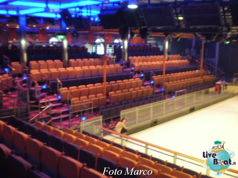 L'Ice Rink di Independence ots-115foto-liveboat-independence-ots-jpg