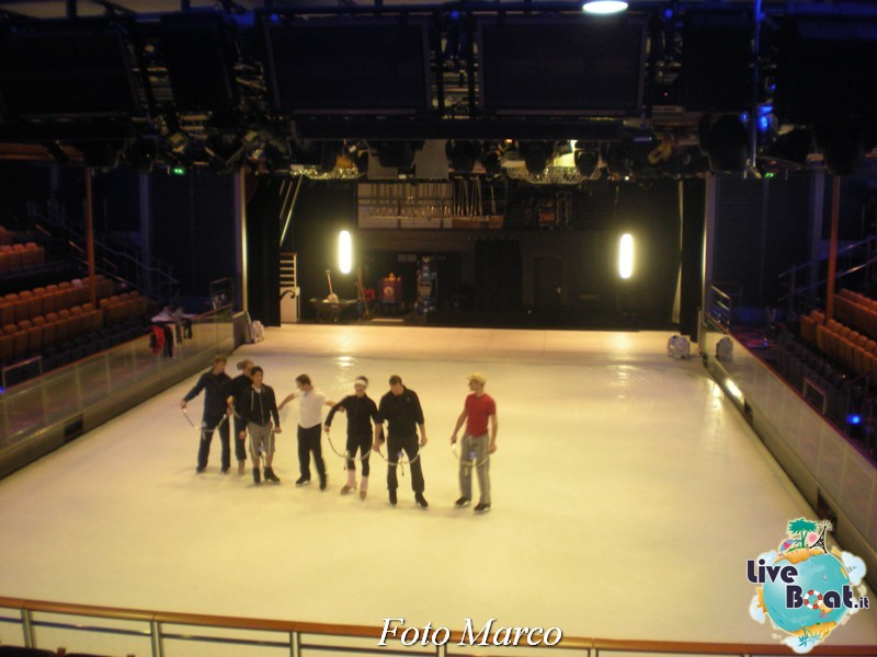L'Ice Rink di Independence ots-116foto-liveboat-independence-ots-jpg
