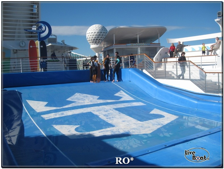 Flowrider, Climbing Wall e pista jogging di Independence ots-81foto-liveboat-independence-ots-jpg
