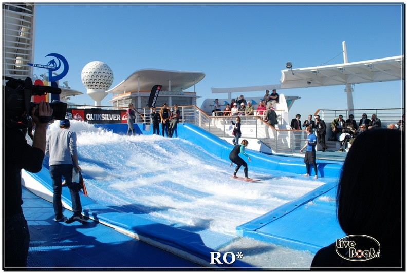 Flowrider, Climbing Wall e pista jogging di Independence ots-82foto-liveboat-independence-ots-jpg