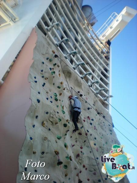 Arrampicata sul Rock climbing wall di Mariner ots-147foto-liveboat-mariner-ots-jpg