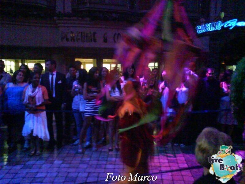 Parata di gala nella Royal Promenade di Mariner ots-171foto-liveboat-mariner-ots-jpg