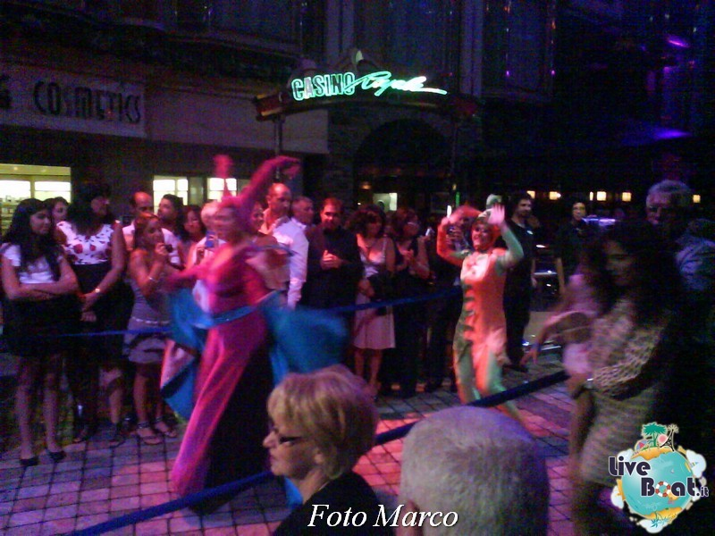 Parata di gala nella Royal Promenade di Mariner ots-173foto-liveboat-mariner-ots-jpg