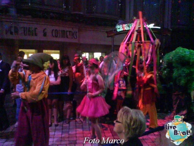 Parata di gala nella Royal Promenade di Mariner ots-176foto-liveboat-mariner-ots-jpg