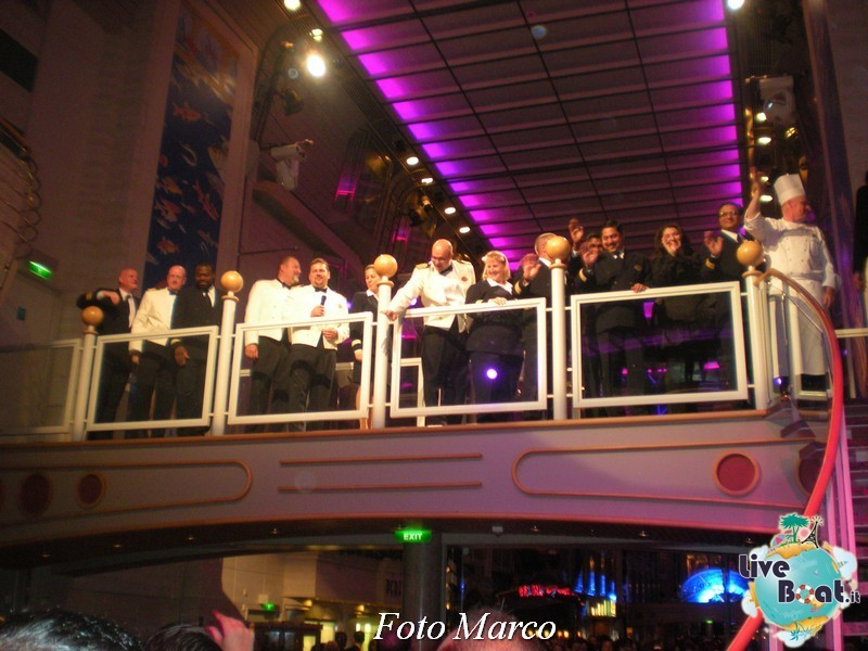 Parata di gala nella Royal Promenade di Mariner ots-178foto-liveboat-mariner-ots-jpg