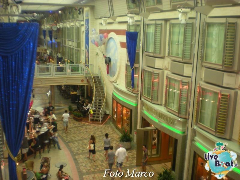 Parata di gala nella Royal Promenade di Mariner ots-189foto-liveboat-mariner-ots-jpg
