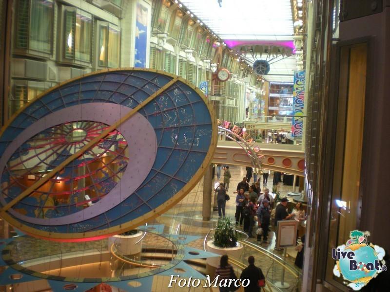 Parata di gala nella Royal Promenade di Mariner ots-193foto-liveboat-mariner-ots-jpg
