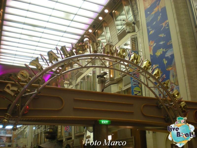 Parata di gala nella Royal Promenade di Mariner ots-194foto-liveboat-mariner-ots-jpg