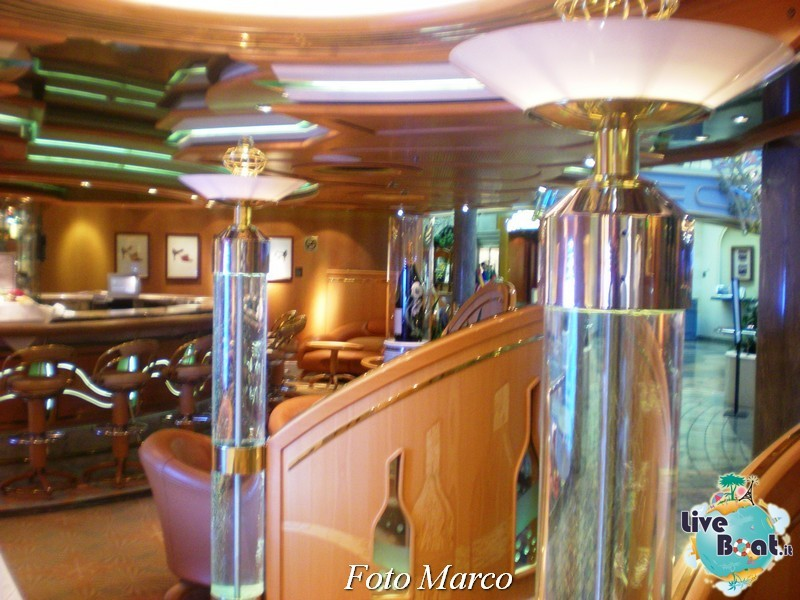 Parata di gala nella Royal Promenade di Mariner ots-222foto-liveboat-mariner-ots-jpg