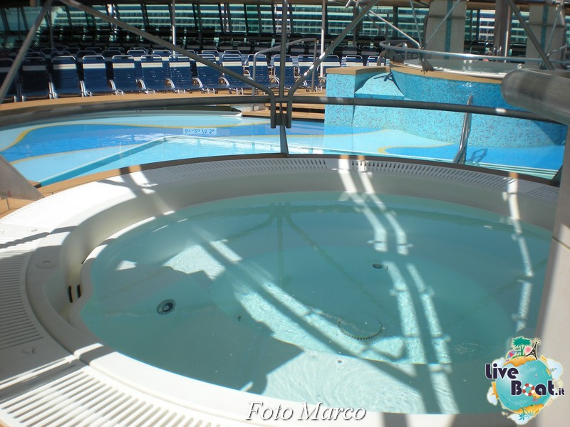 Zona piscina esterna di Splendour ots-10foto-liveboat-splendour-ots-jpg
