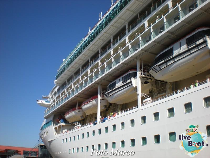 Esterni nave Splendour of the Seas-11foto-liveboat-splendour-ots-jpg