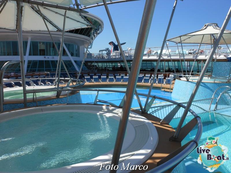 La zona piscina all'aperto di Grandeur OTS-186foto-liveboat-grandeur-ots-jpg