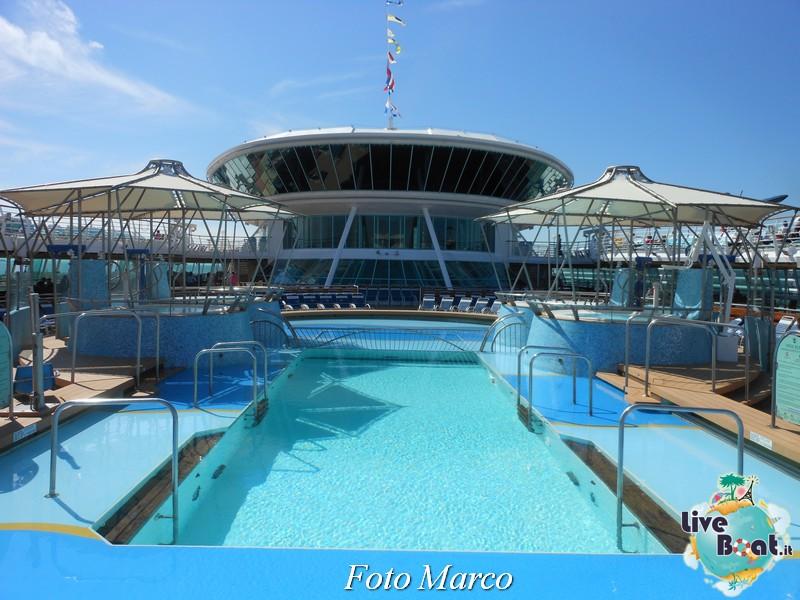 La zona piscina all'aperto di Grandeur OTS-187foto-liveboat-grandeur-ots-jpg