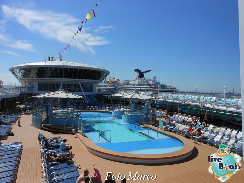 La zona piscina all'aperto di Grandeur OTS-198foto-liveboat-grandeur-ots-jpg