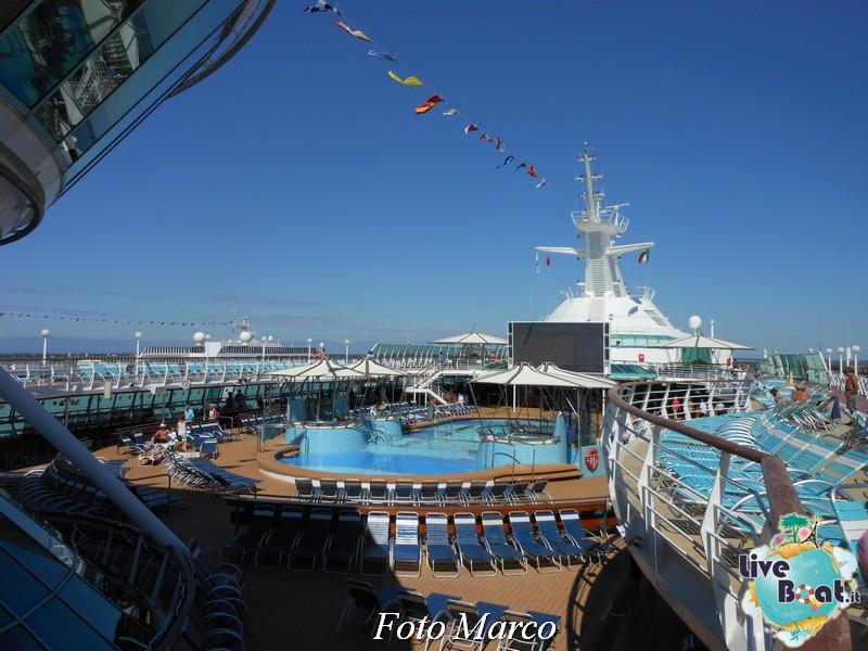 La zona piscina all'aperto di Grandeur OTS-211foto-liveboat-grandeur-ots-jpg