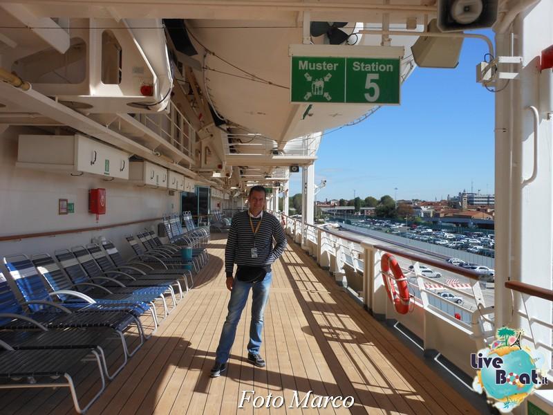 Girando sui ponti esterni di Grandeur OTS-69foto-liveboat-grandeur-ots-jpg