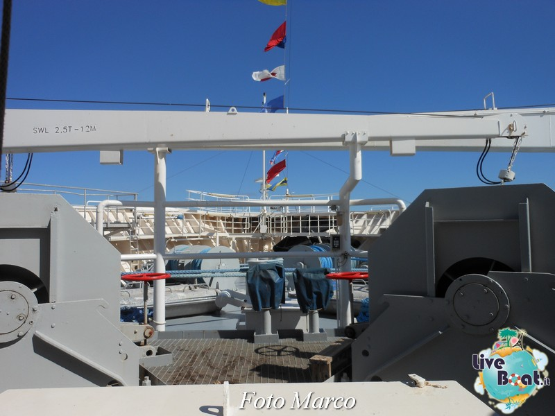 Girando sui ponti esterni di Grandeur OTS-71foto-liveboat-grandeur-ots-jpg