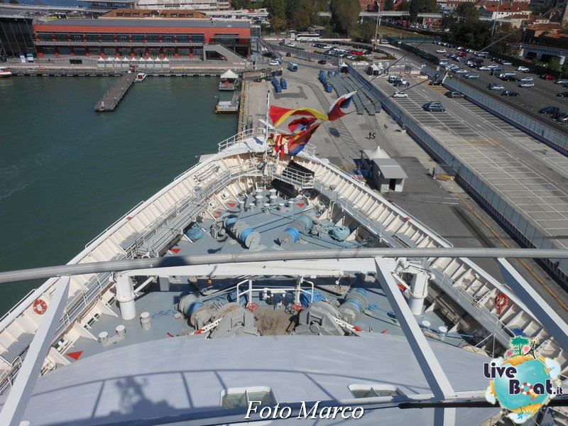 Girando sui ponti esterni di Grandeur OTS-206foto-liveboat-grandeur-ots-jpg