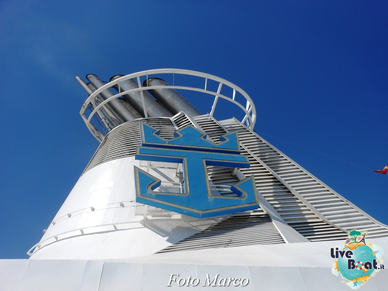 Girando sui ponti esterni di Grandeur OTS-228foto-liveboat-grandeur-ots-jpg