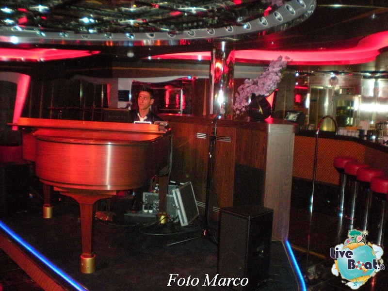 Piano Bar Camelot di Costa Favolosa-171foto-liveboat-costa-favolosa-jpg