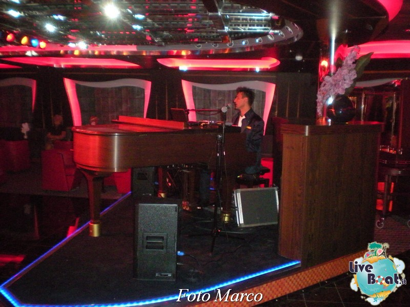 Piano Bar Camelot di Costa Favolosa-174foto-liveboat-costa-favolosa-jpg