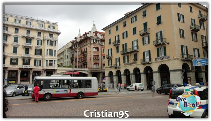 5/10/12 - Savona-costa-deliziosa-imbarco-savona-diretta-liveboat-6-jpg