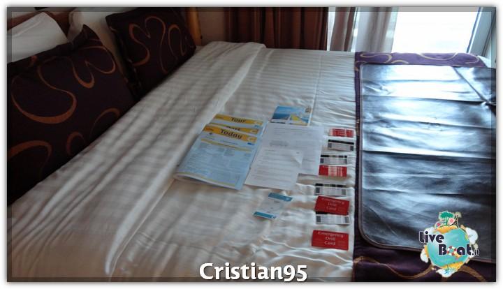 4/10/12 - Civitavecchia (imbarco)-imbarco-civitavecchia-cristian-diretta-liveboat-crociere-2-jpg