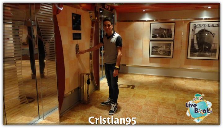 4/10/12 - Civitavecchia (imbarco)-serata-bordo-costa-deliziosa-diretta-liveboat-10-jpg