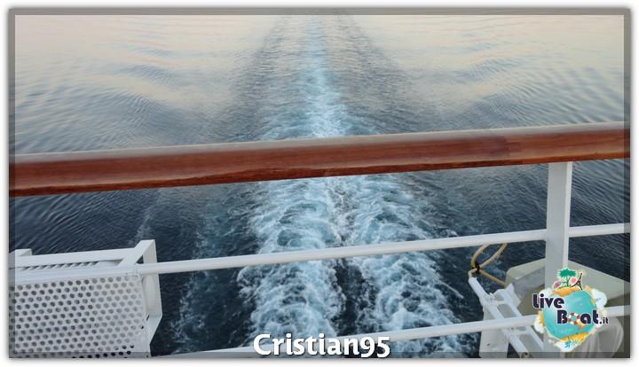 7/10/12- Navigazione-serata-gala-diretta-costa-deliziosa-4-jpg