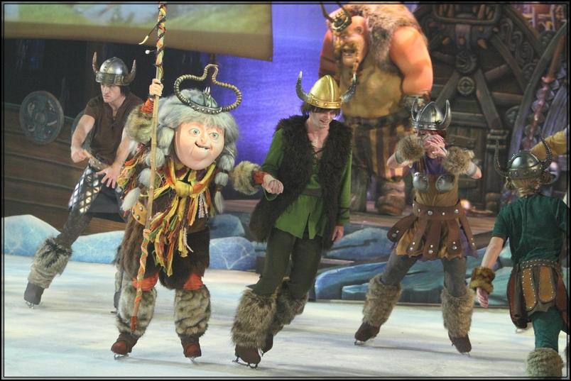 Pre partenza RO* Liberty of the seas-al_dragon-trainer-ice-show-jpg