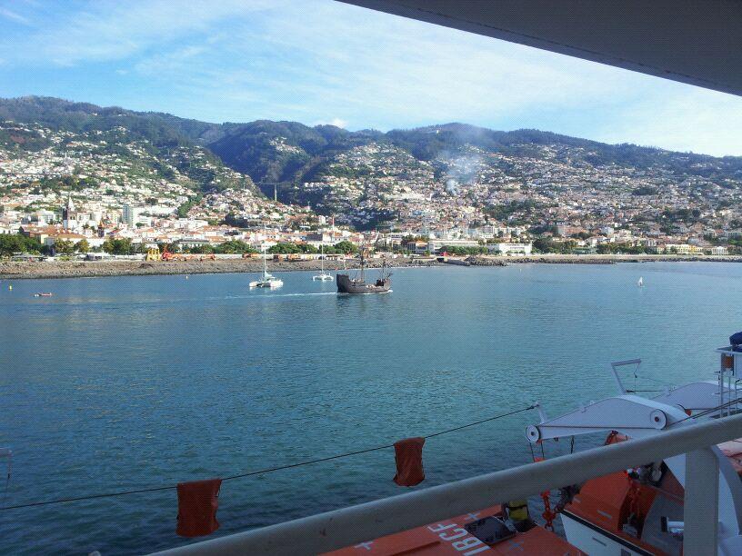 20/10/12 - Funchal-funchal-madeira-diretta-nave-forum-liveboat-5-jpg
