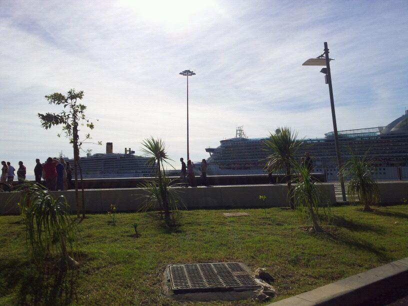 20/10/12 - Funchal-funchal-madeira-diretta-nave-forum-liveboat-39-jpg