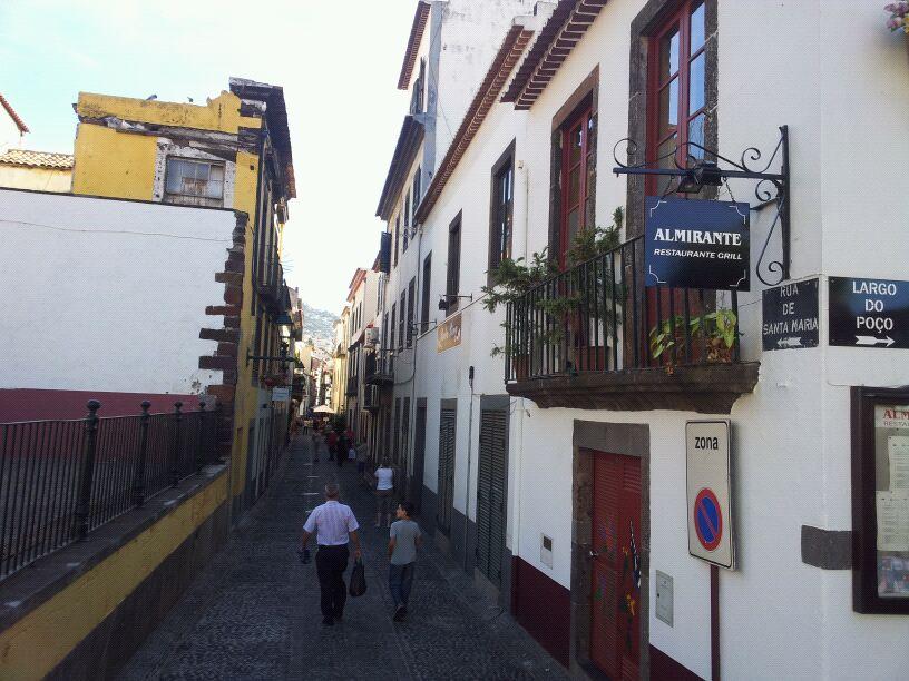 20/10/12 - Funchal-funchal-madeira-diretta-nave-forum-liveboat-46-jpg