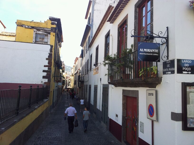 20/10/12 - Funchal-funchal-madeira-diretta-nave-forum-liveboat-55-jpg