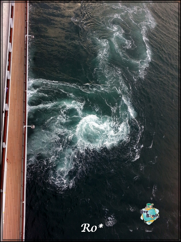 14/10/12 - Savona (imbarco)-diretta-costa-mediterranea-www-liveboat-it-20121014_174139-jpg